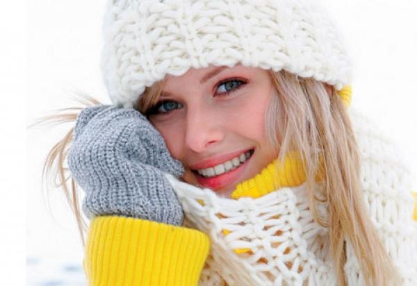 правильный уход за кожей лица должен быть направлен на питание и увлажнение