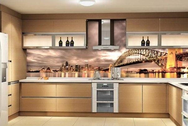 Рабочая зона на кухне с видом на изображение города