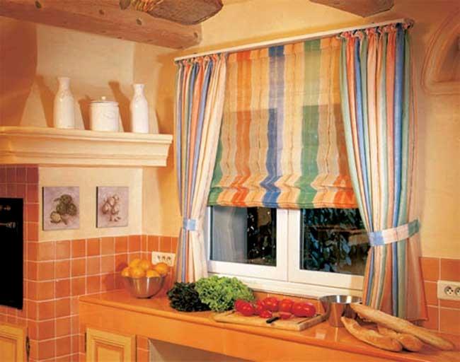 римские шторы для кухни фото