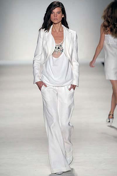 Мужской стиль в женской одежде. . 5295. 1. 2 года назад. стиль. . С каждым годом представительницы прекрасного пола