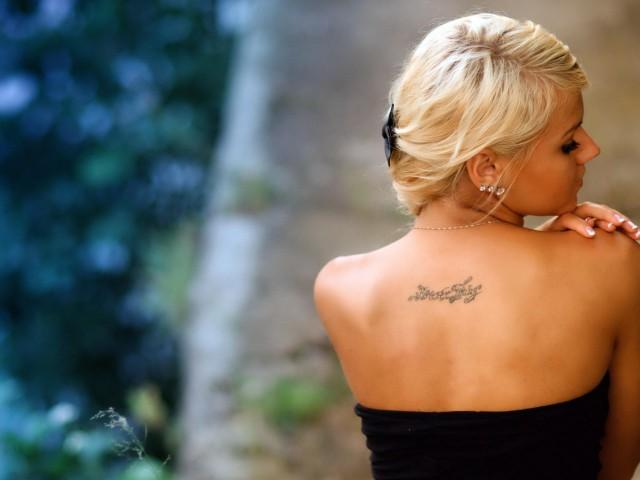 тату на спине женские фото