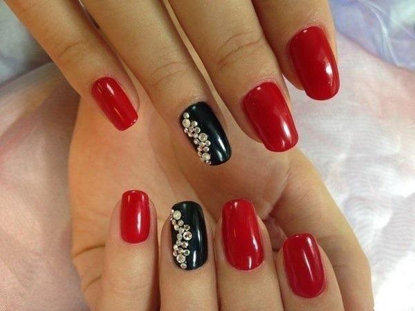 Черный и красный дизайн ногтей