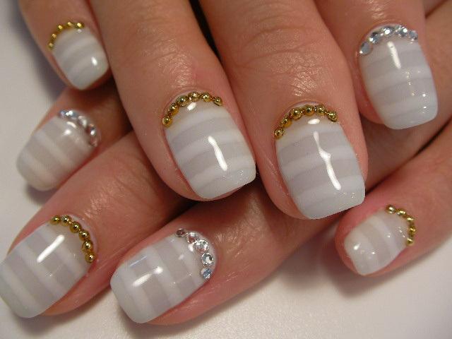 Дизайн ногтей бульонками фото