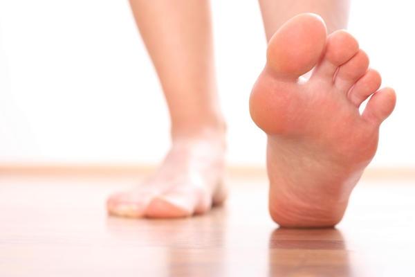 немеют пальцы на ногах причина