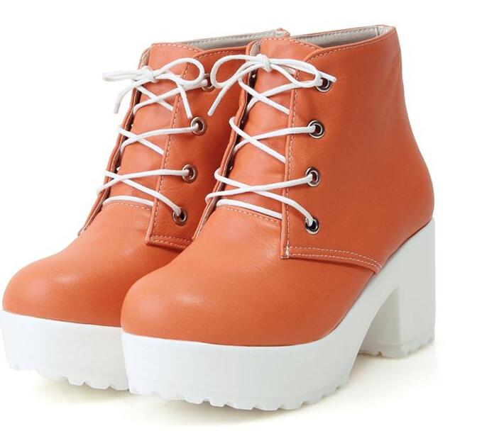 Такая обувь идеально подходит для осени и весны. Некоторые девушки выбирают  зимние ботинки на тракторной подошве. Они могут быть украшены мехом и иметь  ... 92c1da56457ec