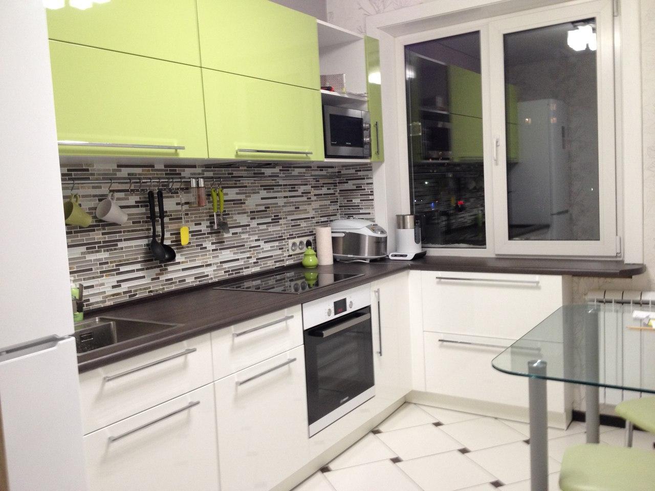 Дизайн кухни в панельном доме 9 кв.м с балконом