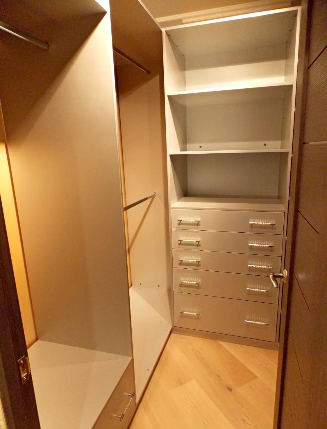 Дизайн мини гардеробной комнаты фото 3 кв м
