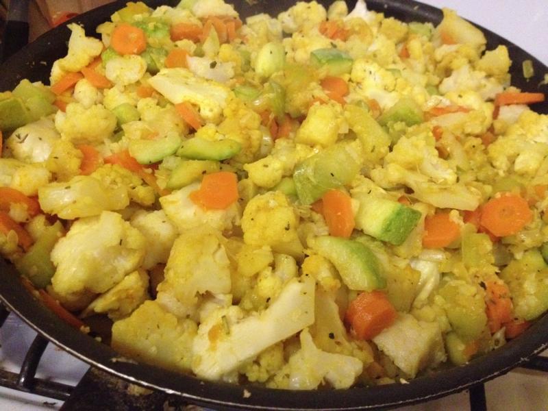 овощное рагу с кабачками и картошкой и капустой в мультиварке