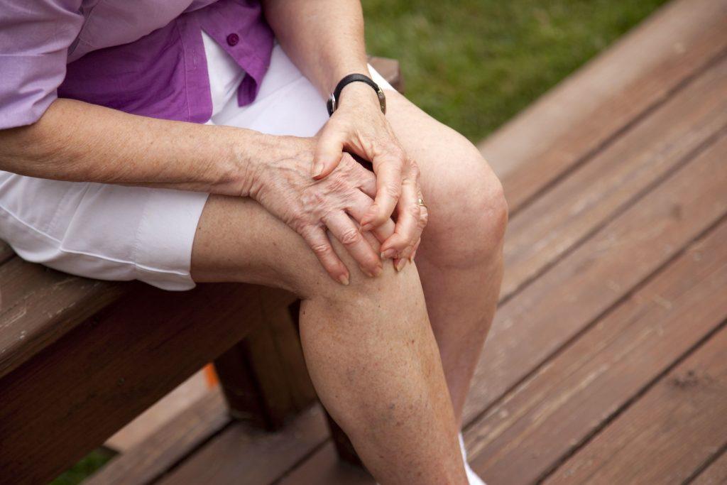 болят ноги от колена до ступни причины лечение народными средствами